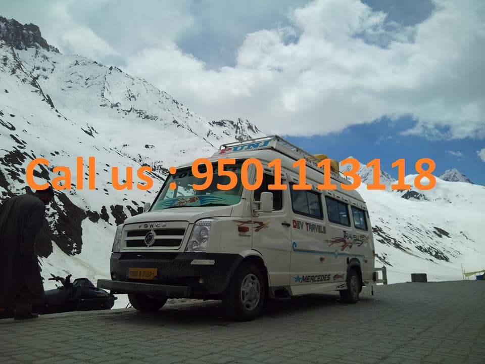 rental tempo traveller leh